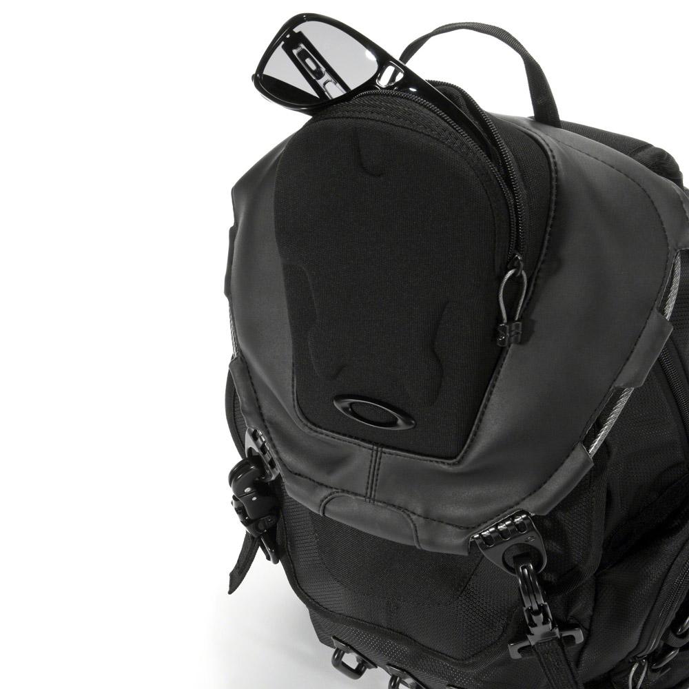 Oakley Bathroom Sink Backpack - Black