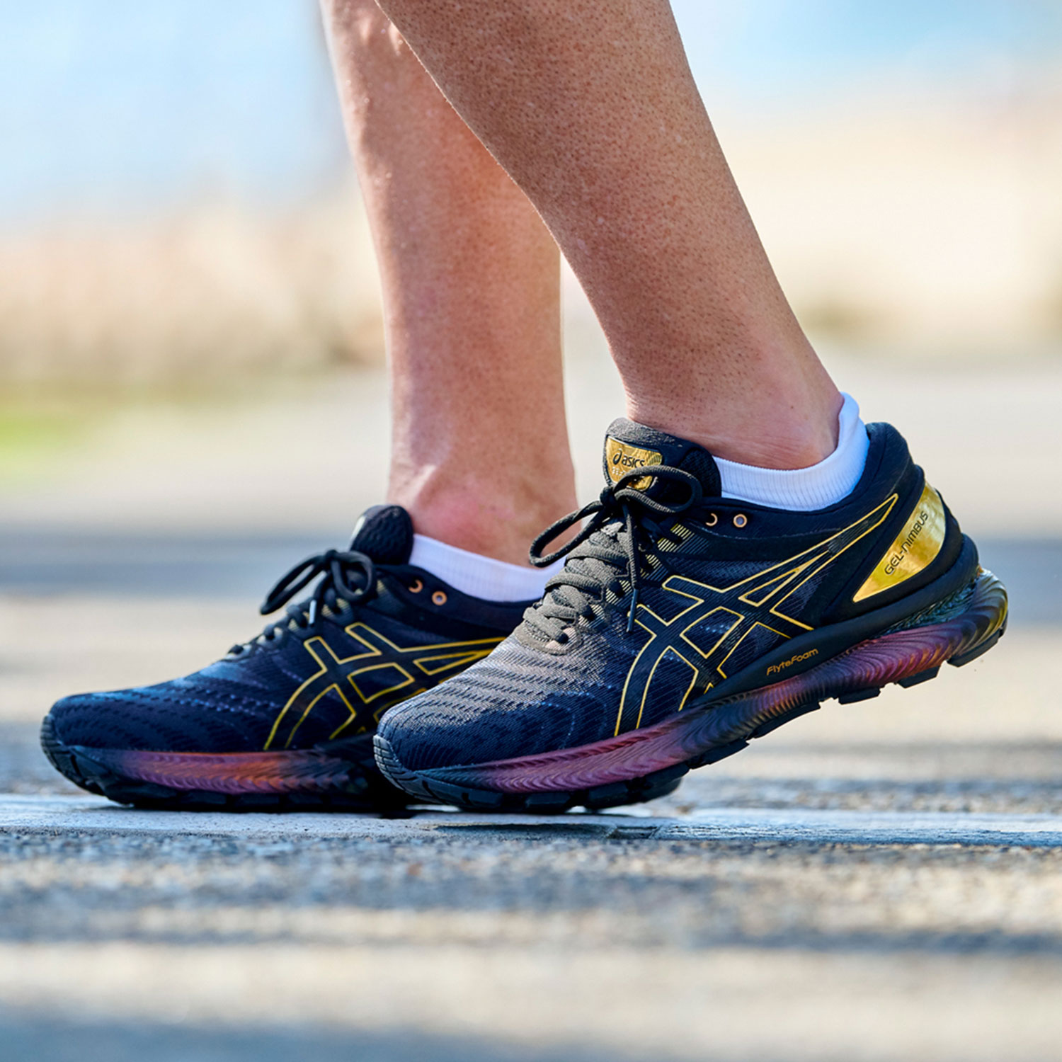 Asics Gel Nimbus 22 Platinum - Black/Pure Gold