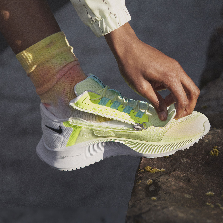 Nike Air Zoom Pegasus 38 Flyease - Barely Volt/Black/Volt/Aurora Green