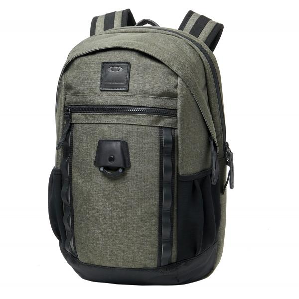a42fa4a97b Oakley Voyage 22L 2.0 Backpack - Green Black 92969-86V