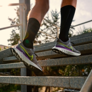 Nike React Infinity Run Flyknit 2 - Particle Grey/Volt/Iron Grey/Wild Berry